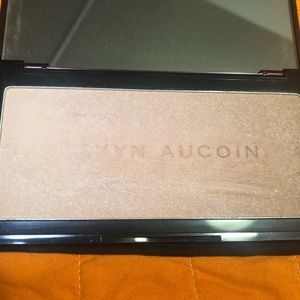 Kevyn Aucoin Neohighlighter Sahara golden rose